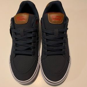 Levi's Canvas Sneakers size: 9 New w/Tags